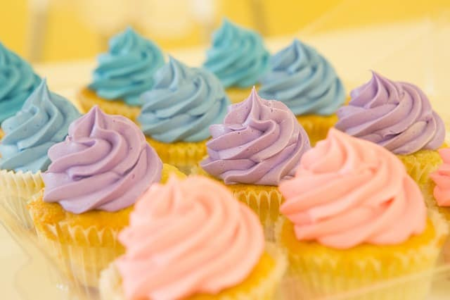 how long do frosting, icing, glaze and fondant last
